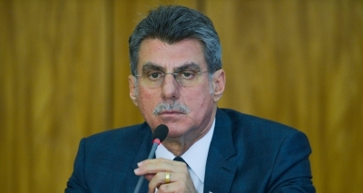 Jucá diz que deputado do PMDB que votar contra Temer sofrerá consequências