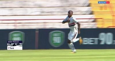 São Paulo vence Vitória nos pênaltis e Leão se despede da Copinha