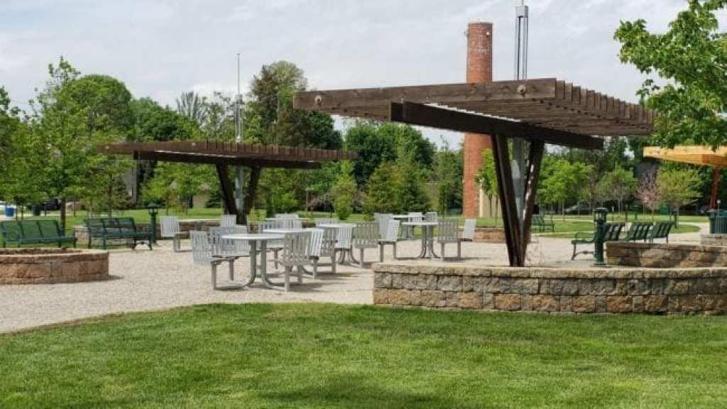 seating at Barnum Park