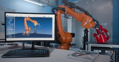 Tracker Measuring Systems Simplify Industrial Robot Programming