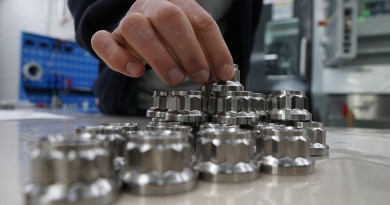 Manufacturing With Machines That Learn From Defects
