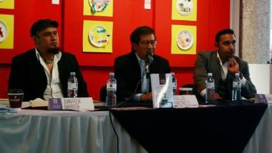 Photo of Presentan el libro El Santo Oficio de José Luis Martínez.