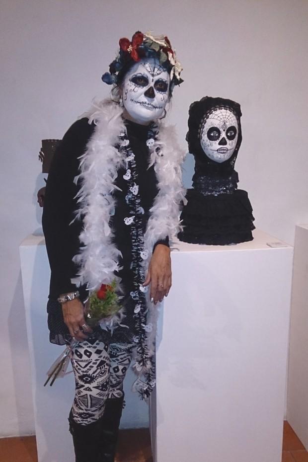 Ma Rosa Ibanez, autora participante de la muestra LA MUERTE ME PELA EL DIENTE