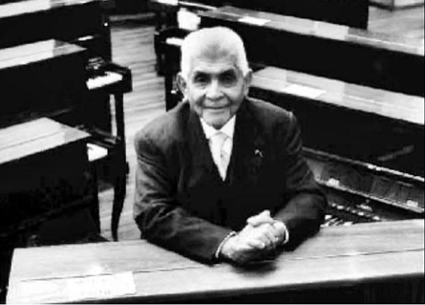 Julián Carrillo-Pianos