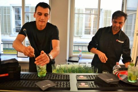 Für Erfrischung sorgten diese coolen Barkeeper mit Badass-Mojitos!