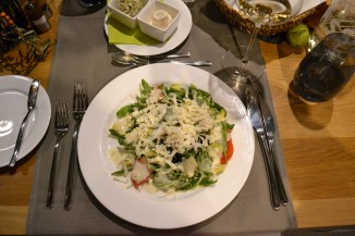 Ruccolasalat mit Ziegenkäse (Foto: Zenz)