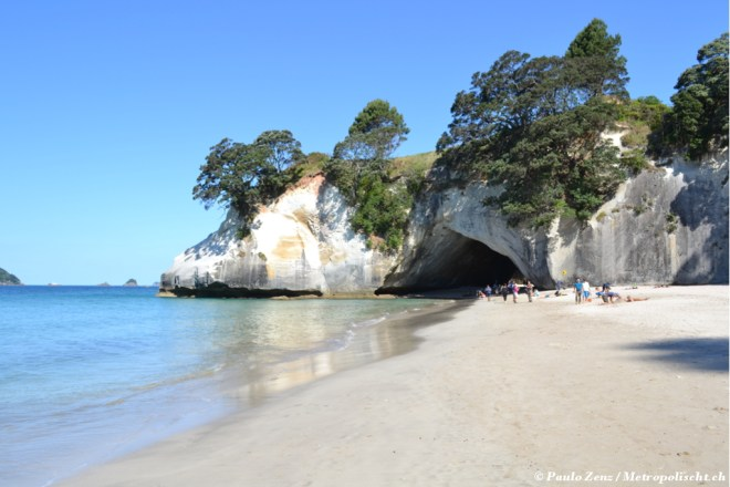 Cathedral_Cove_Metropolischt_3
