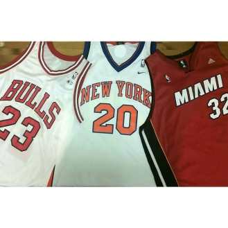 Summer is here and what's better than wearing your favorite team while playing some ball? #chicagobulls #bulls #NBA #newyorkknicks #knicks #miamiheat #heat #chicago #newyork #Miami #nyc #nycvintage #metropolisvintage #metropolis #gametime #summer