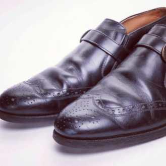Monk Strap shoes men's size 8 on available at Etsy http://etsy.me/14vdDFX #mensshoes #shoes #vintageshoes ##vintageboots #etsyvintage #etsymens #etsyshoes #monkstrap #beatleboots #mod #modshoes