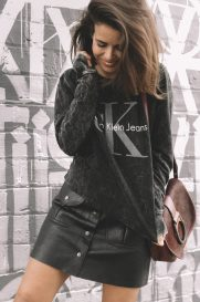 Calvin_Klein_Bag-Burgundy_Bag-CK_Sweatshirt-Leather_Shirt-Total_Black_Outfit-Street_Style-Los_Angeles-Collage_Vintage-39-1600x2400