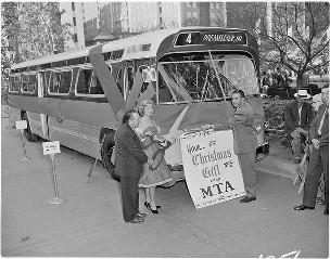 New LAMTA Dreamliner bus