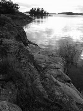Meri ja kalliot Siuntossa Etelä-Suomi