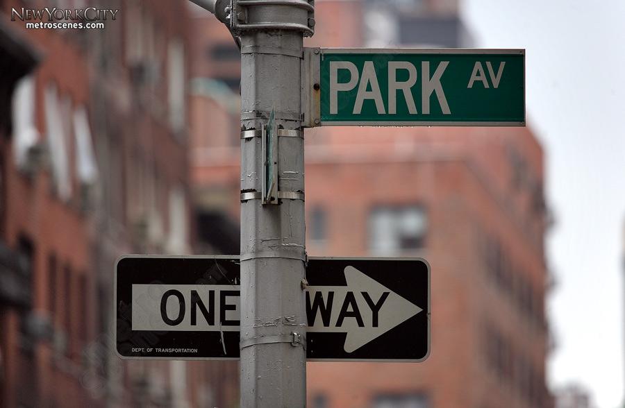 Park Avenue Street Sign Metroscenes Com New York City