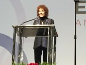 Susan Metros accepting EDUCAUSE Leadership Award