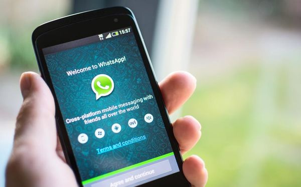 WhatsApp takes Snapchat on with new feature