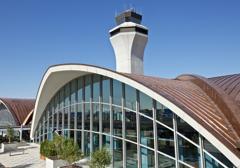 City officially grounds airport privatization effort