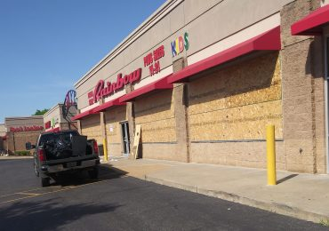 Cleanup at shopping center stirs varied views on vandalism