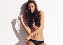 Foto Lasse Wind - Model Maria Rattenborg - Makeup og styling Mette Bundgaard