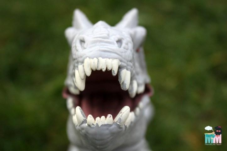 hasbro_indominus_rex_metterschlingundmaulwurfn_spielzeug_dino_Dinosauerier (13)