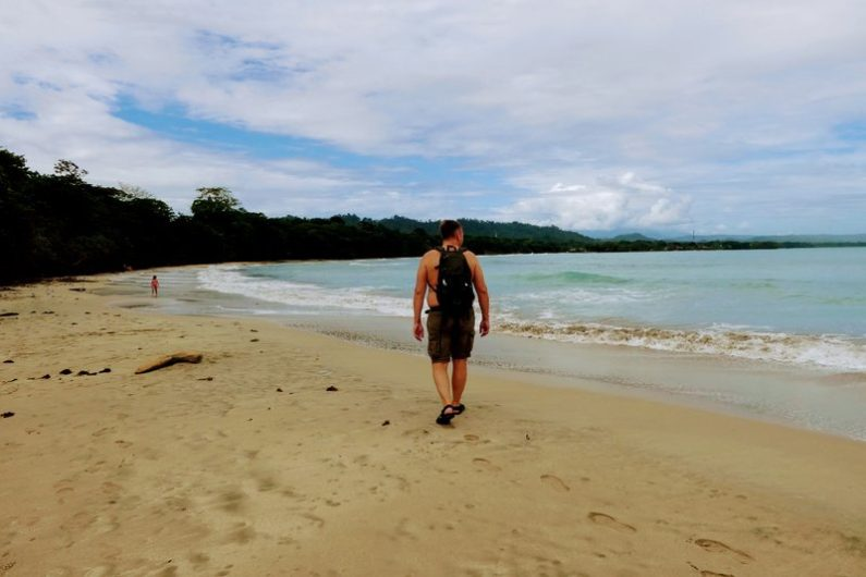 costa rica cahuita playa blanca