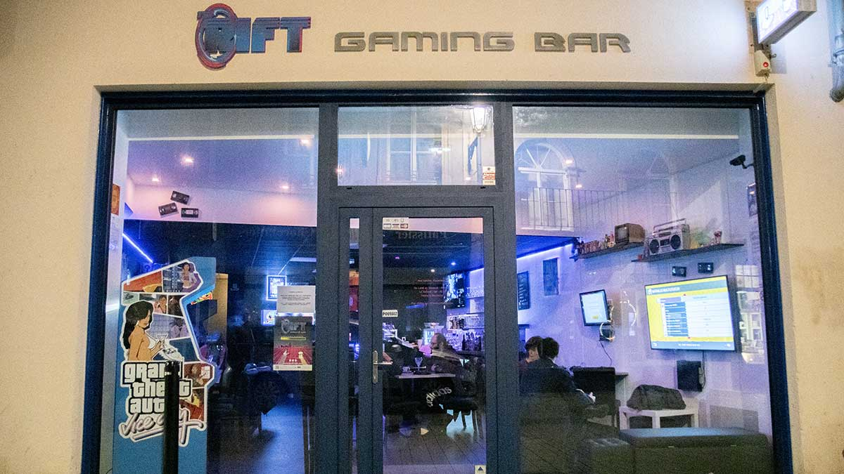Rift Metz Bar Gaming