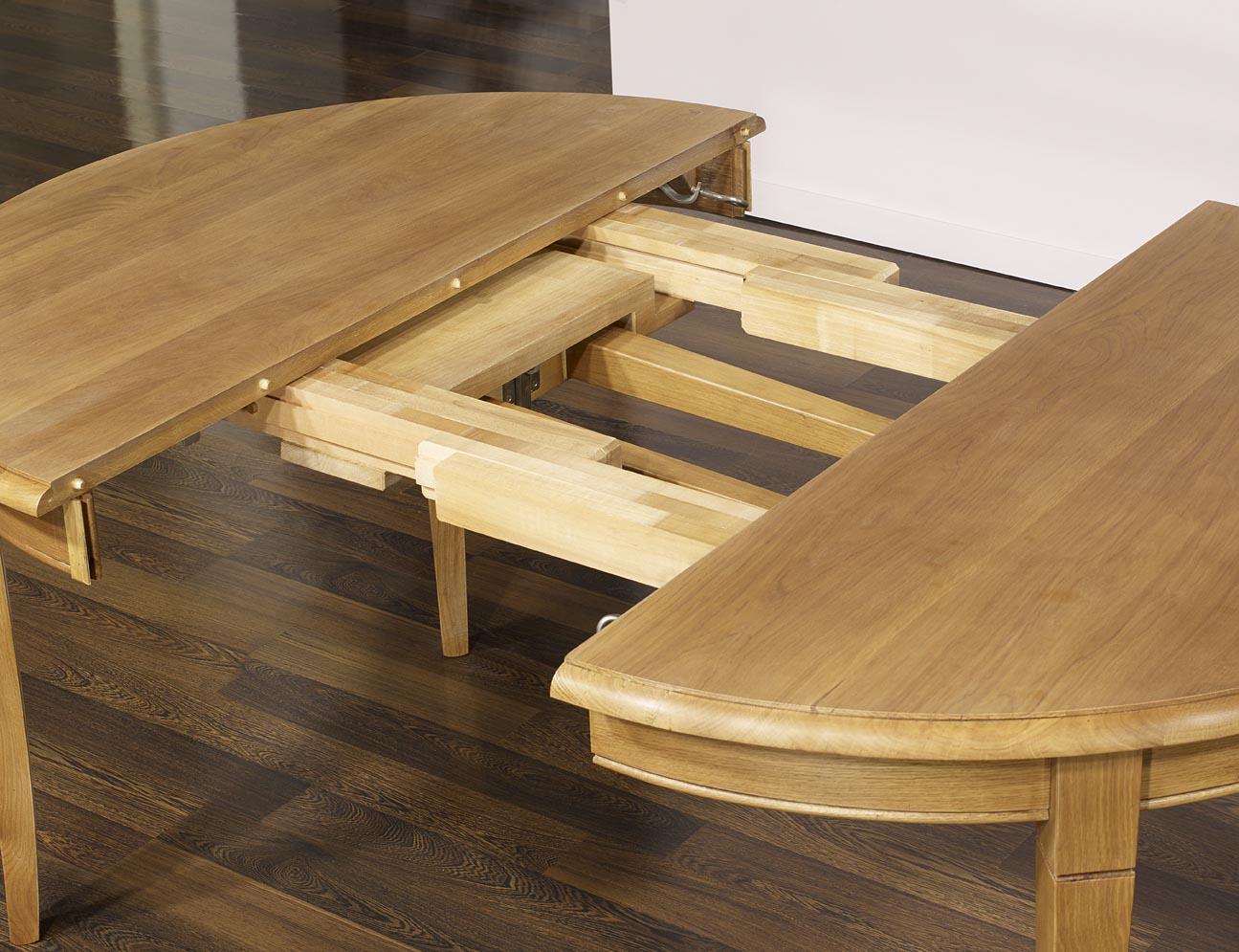 table ronde fabien realisee en chene massif de style louis philippe diametre 110 avec 4 allonges de 40 cm