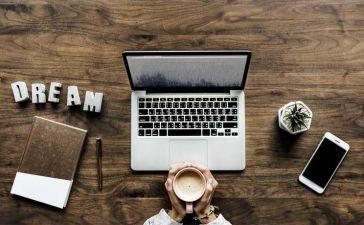 Cómo hacer una página en internet y ganar dinero