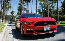 viaje a California, road trip con un Mustang descapotable