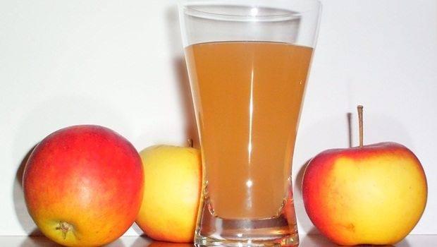 عصير التفاح والشمندر والعسل