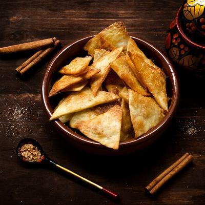 Healthy Cinnamon Sugar Tortilla Chips