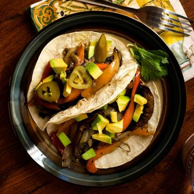 Portobello Mushroom and Cubanelle Pepper Tacos Recipe by @SpicieFoodie | #tacos #vegan #mushrooms #portobellos #cubanellepeppers
