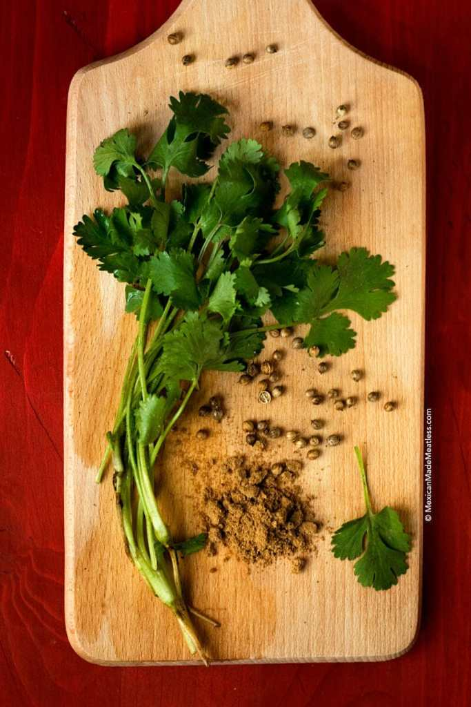 24 Cilantro Facts You Need To Know | #cilantro #coriander #foodinfo #foodfacts