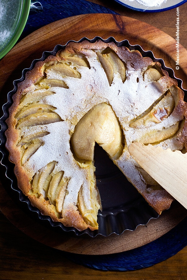 Receta de clafoutis de pera. Un postre francés que es muy fácil de preparar.