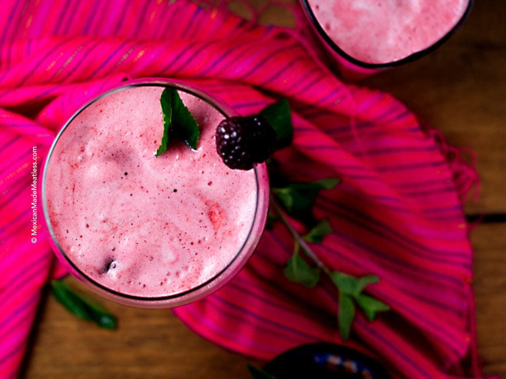 Blackberry Mint Agua Fresca | A thirst quenching Mexican drink recipe