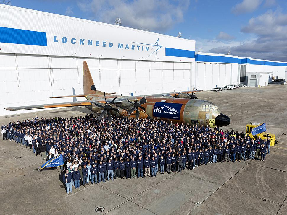 Lockheed_Martin_LM_100J_Commercial_Freighter