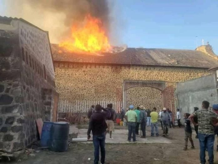 "Fire destroys the Purépecha's ""Stories in the skies"" in Nurio, Michoacan"