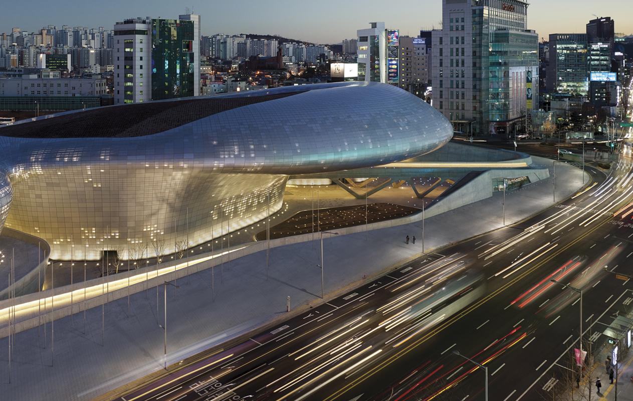 zaha-hadid-arquitectura-dongdaemun-design-plaza-ddp-1