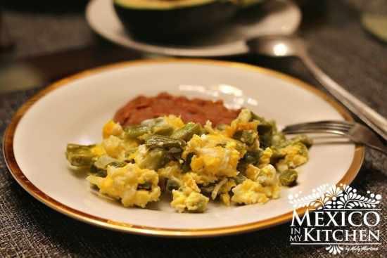 Nopales con huevos, disfrútalos, buen provecho.