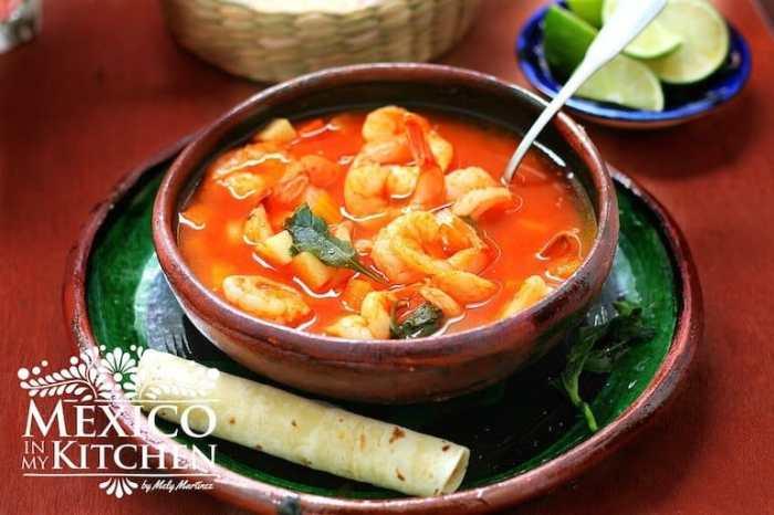 Caldo de Camarón, disfruta en familia esta deliciosa receta