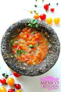 Salsa cruda con tomate milpero