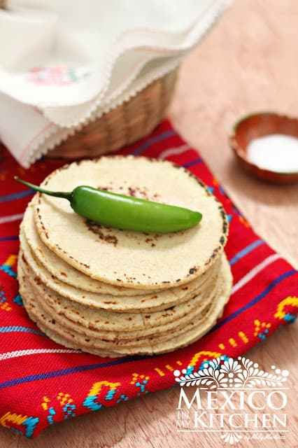 How to make homemade corn tortillas form scratch