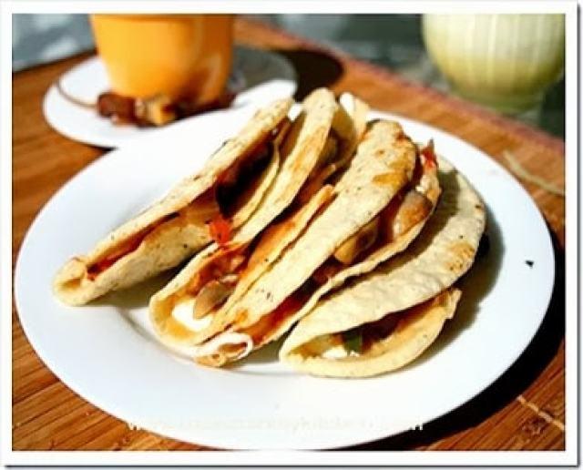 Quesadillas corn tortilla-1