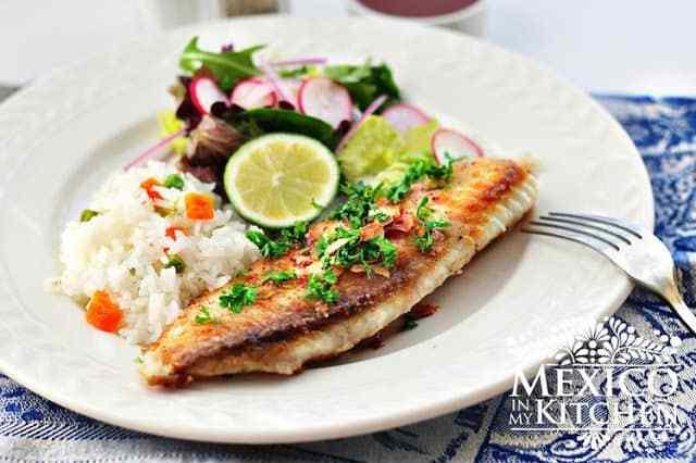 Mexican Fish Fillets in garlic sauce al mojo de ajo