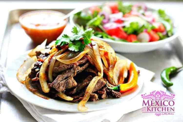 Bistec encebollado receta deliciosa