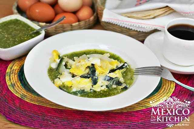 Scrambled eggs with salsa verde mexican recipe