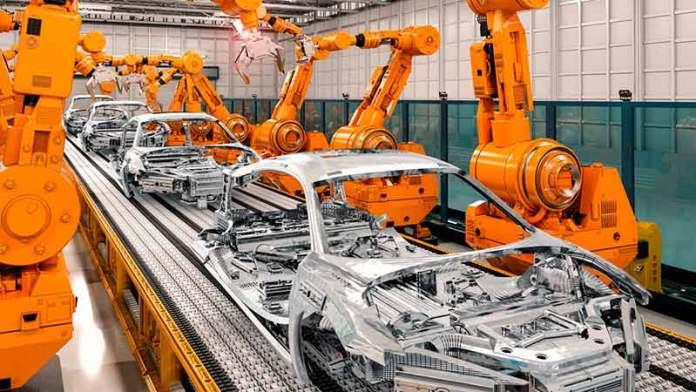 BUSINESSFabricantes de autos japoneses optan por triplicar salario de trabajadores en México en lugar de migrar a EU