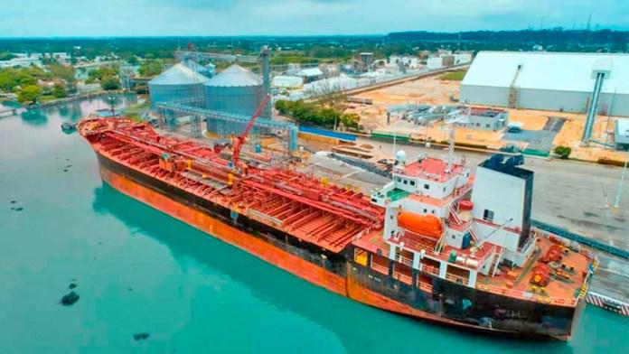 Cae 22.3% el arribo de buques a la API en Coatzacoalcos