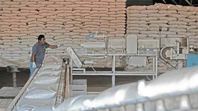 Avanza acuerdo salarial en la industria azucarera; logran incremento salarial de 5.5% directo