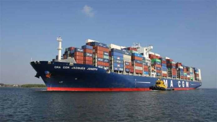 Ingresos tributarios por comercio exterior caen 15.5%