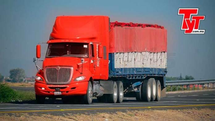 El autotransporte de carga decora la Navidad en el país